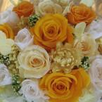 プリザーブドアレンジ:¥10,000/花材:陶器アレンジ(25センチ×30センチ弱)