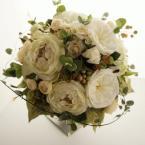 アーティフィシャルブーケNo.9~ホワイトクラッチ:¥20,000(ブートニア付き)/花材:オールドローズ スプレーローズ 実物 ワイヤプランツ 全てアーティフィシャルフラワー