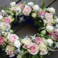 フラワーアイテム:¥10,000/花材:生花フラワーリース